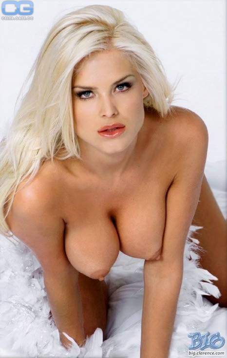 Victoria Silvsted nackt foto 4